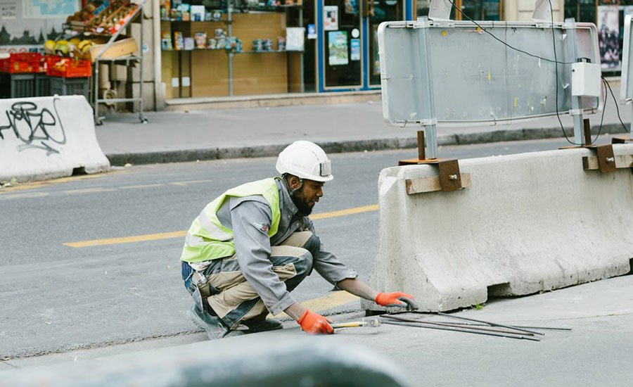 Safety Shoes for working on asphalt - safetyshoestoday