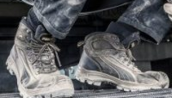 What is a safety shoe – steel toe boot