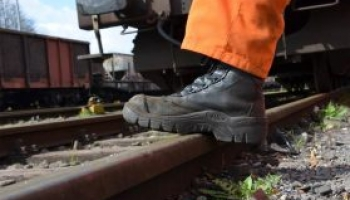 Economical safety footwear, cheap safety footwear