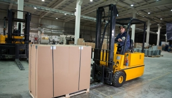 The best safety shoes for forklift drivers