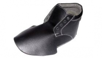 Sicherheitsschuhe, die verschiedene Arten von Leder